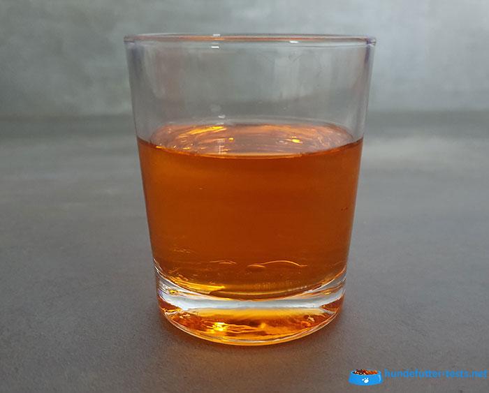 Lachsöl abgefüllt im Glas
